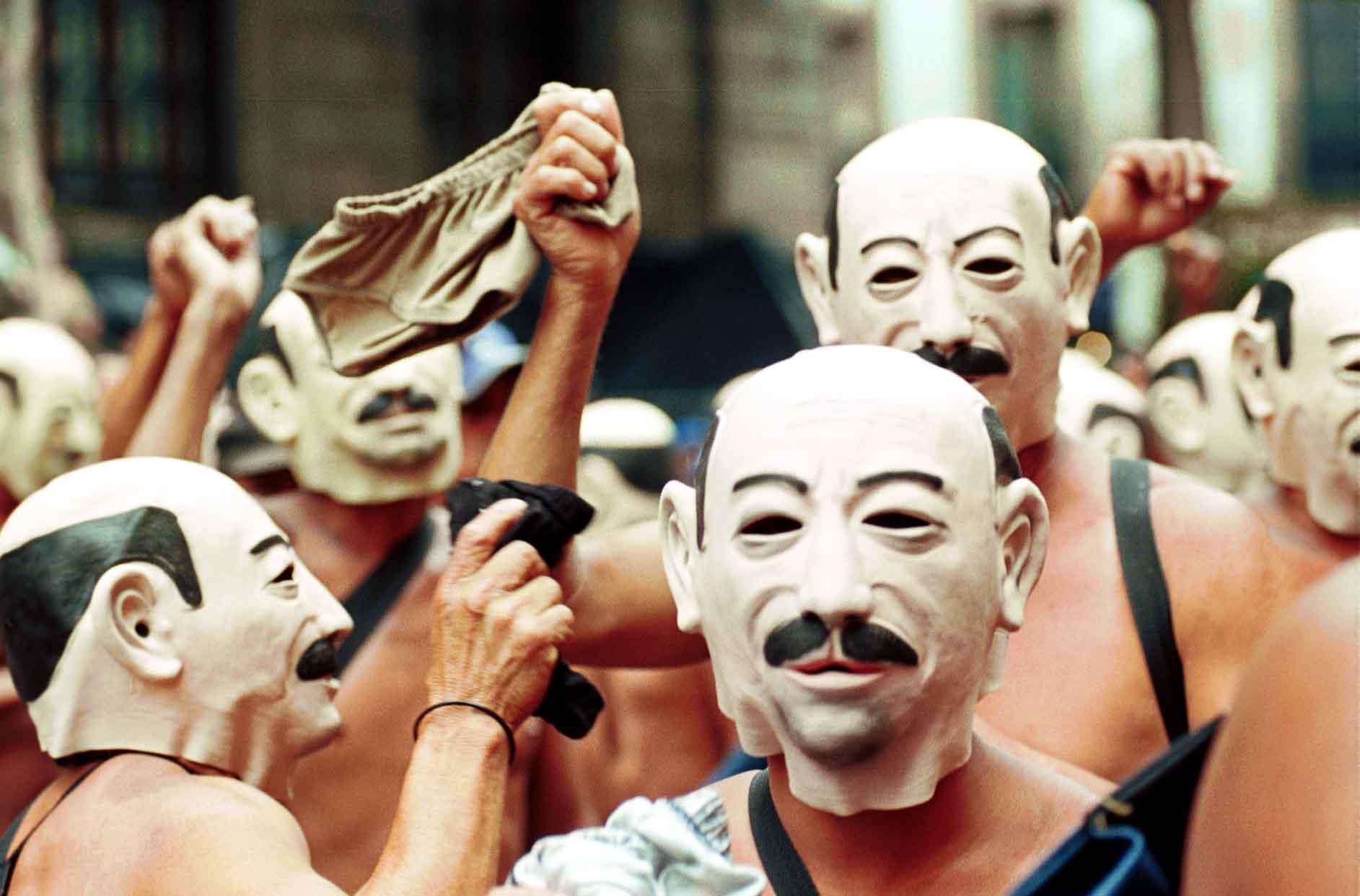 Protesta de los integrantes de los 400