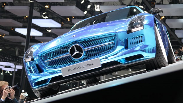 ダイムラーのディーター・ツェッチェCEO、「これからは水素自動車よりも電気自動車の時代」と語る