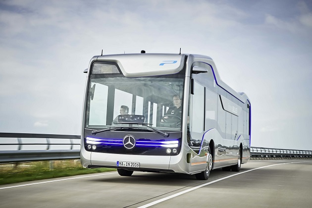 メルセデスの自動運転バス、アムステルダムで20kmの区間を走行