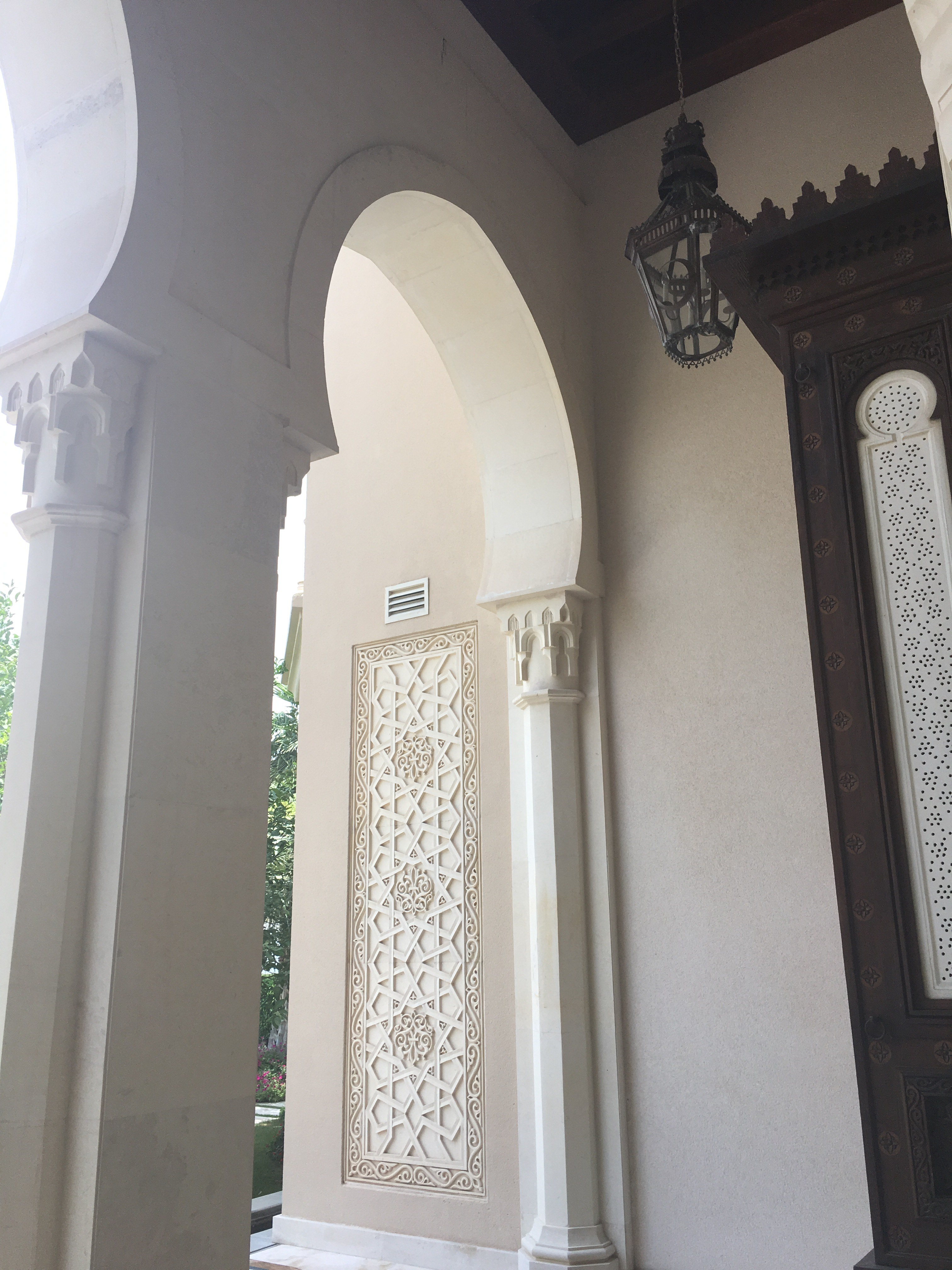 Monique Lhuillier travel diary: Beautiful archways