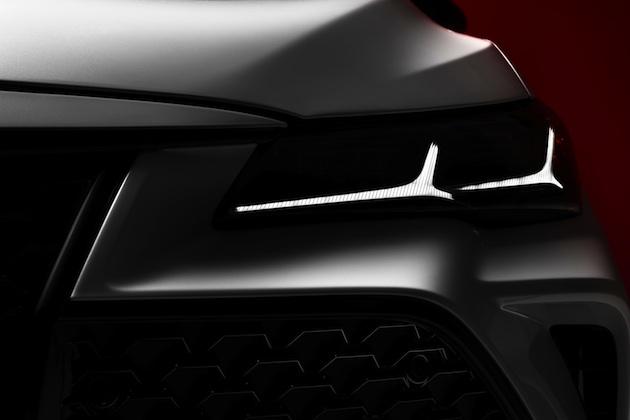 トヨタ、北米国際オートショーでデビューする新型「アバロン」をチラ見せ