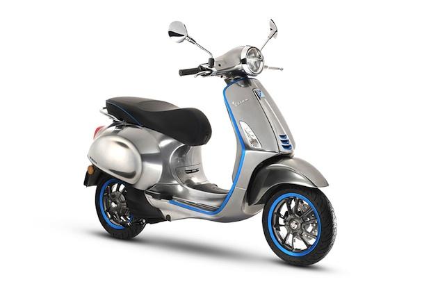 ベスパ、電動スクーター「Elettrica」を2018年に発売すると発表! 発電用エンジンを搭載するハイブリッド仕様もあり