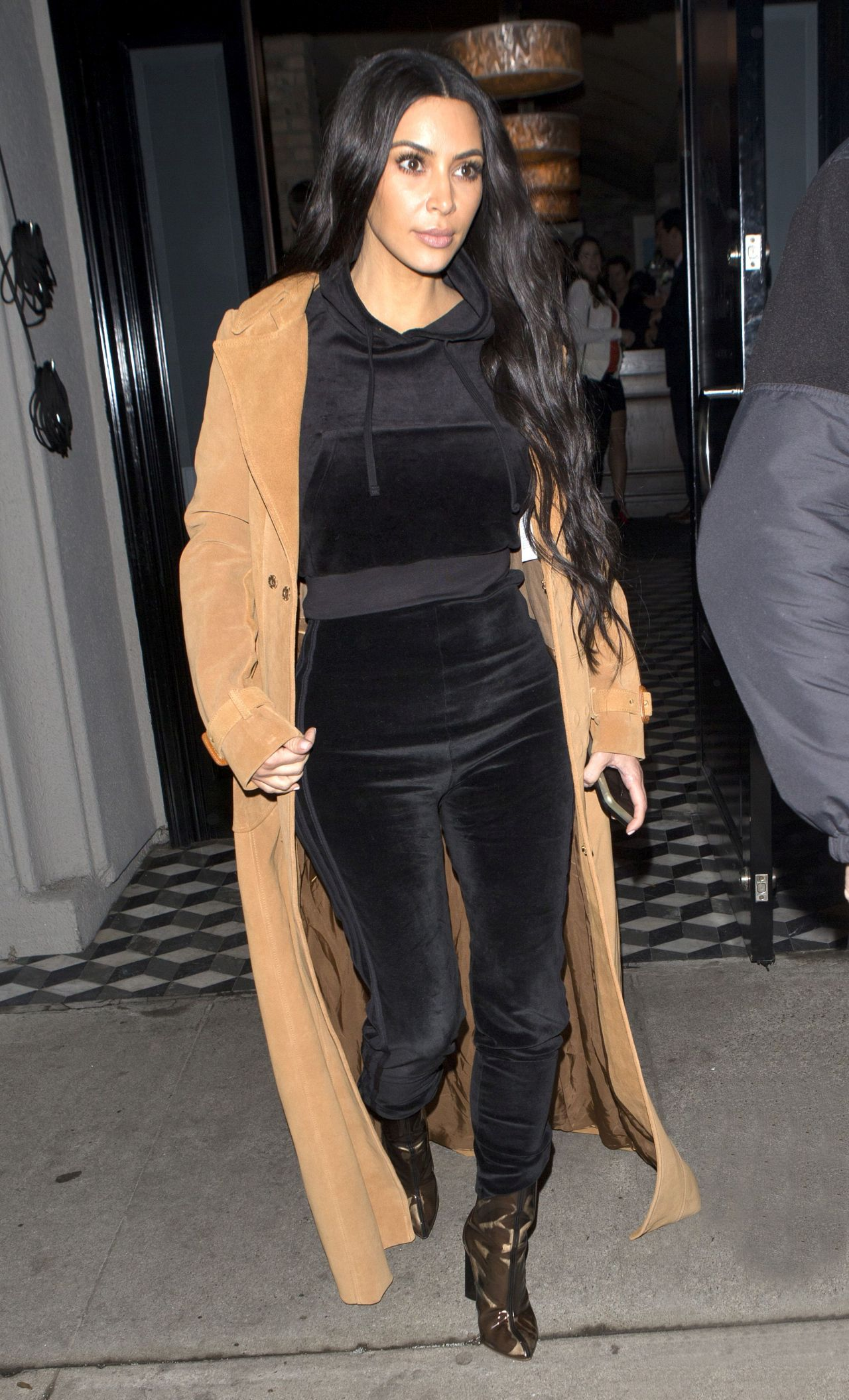 Kim Kardashian was seen leaving 'Craigs' Restaurant  in West Hollywood, CA <P> Pictured: Kim Kardashian <B>Ref: SPL1435571  060217  </B><BR/> Picture by: SPW / Splash News<BR/> </P><P> <B>Splash News and Pictures</B><BR/> Los Angeles:	310-821-2666<BR/> New York:	212-619-2666<BR/> London:	870-934-2666<BR/> photodesk@splashnews.com<BR/> </P>