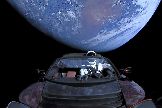 火星行きテスラ・ロードスターの現在地がわかるウェブサイト開設。最接近は2020年10月7日。73年後には回収可能?
