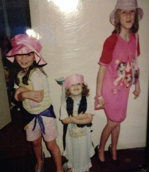 De gauche à droite: Stephanie, Erica et