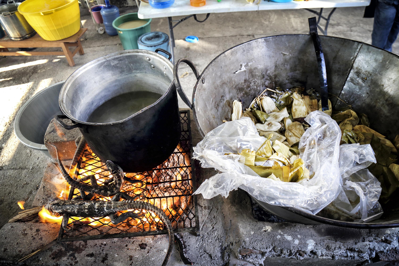 📷 En Juchitán, la tradición de Semana Santa es comer tamales de