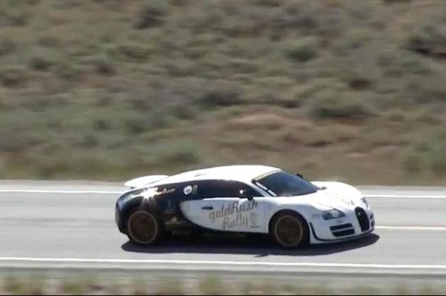 【ビデオ】ブガッティ「ヴェイロンSS」が閉鎖されたハイウェイを396km/hで疾走!