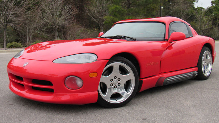 Dodge Viper red front