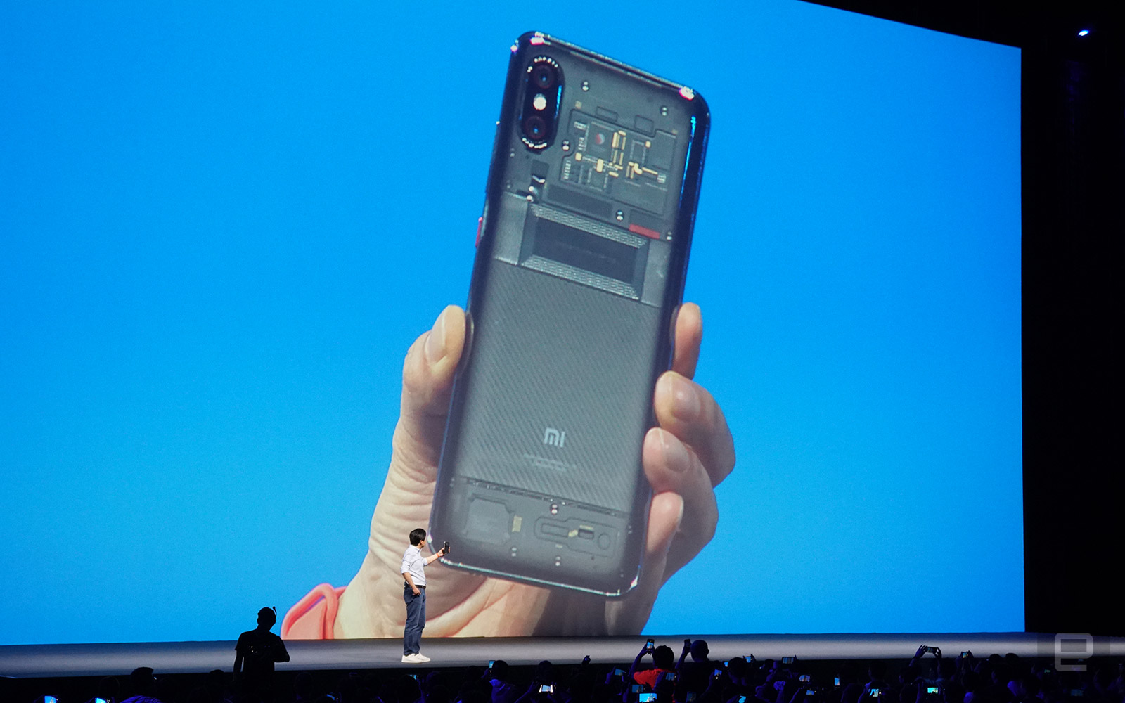 小米 8 系列登场!使用 3D 结构光和屏幕指纹的探索版来了