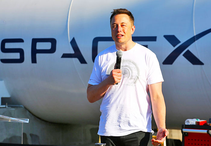 Elon Musk pulls Tesla and SpaceX pages after #DeleteFacebook challenge