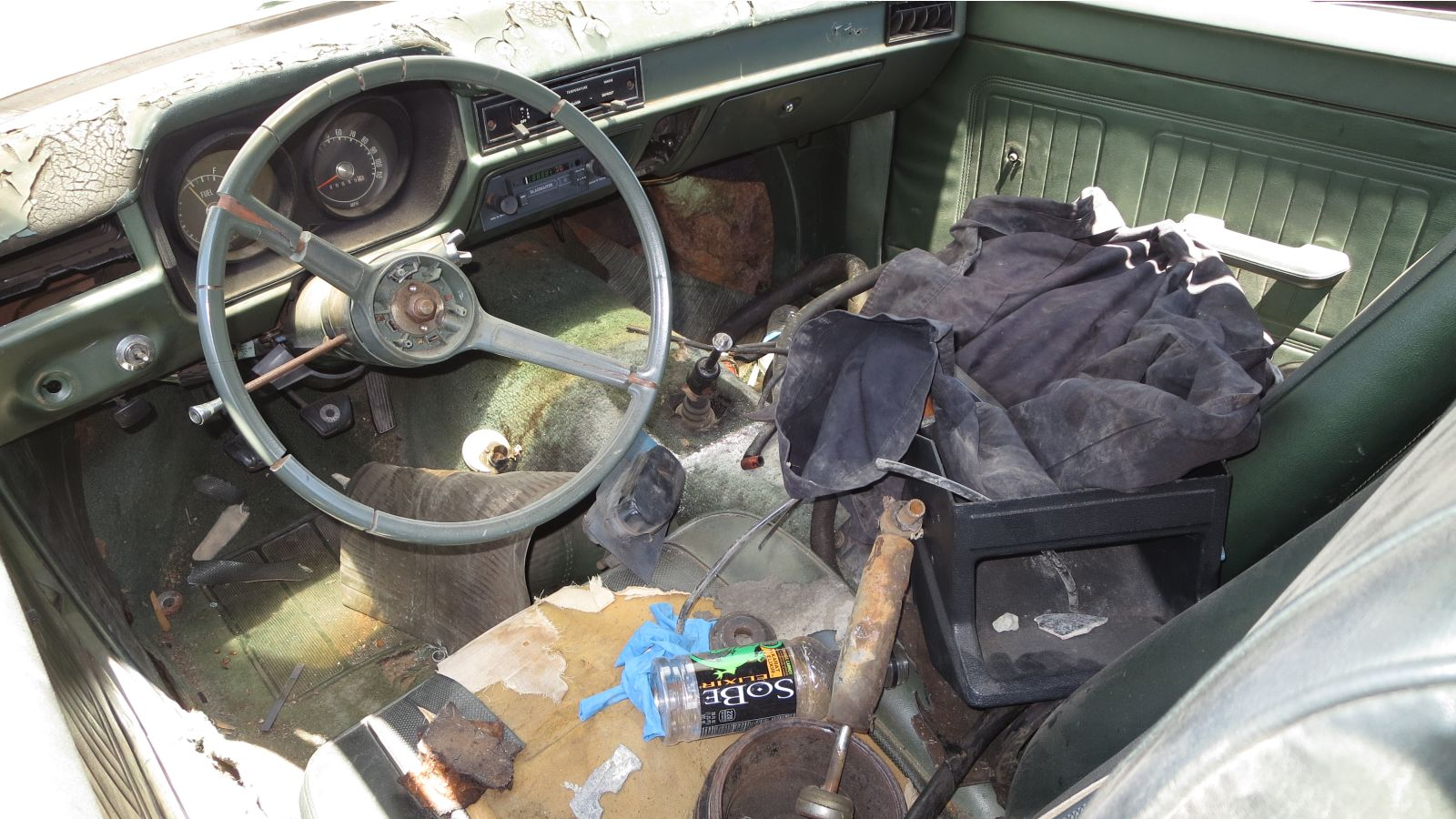 Junkyard Gem 1971 Ford Pinto Coupe Autoblog Bronco Interior It Once Had A Vinyl Top Making Bit More Snazzy Than Your Entry Level In