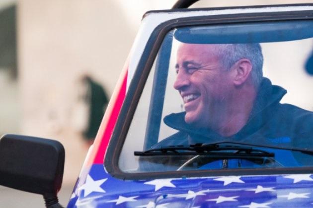 マット・ルブランが新生『トップギア』で初仕事 米国旗に塗られた「リライアント・ロビン」で370kmのドライブに出発!