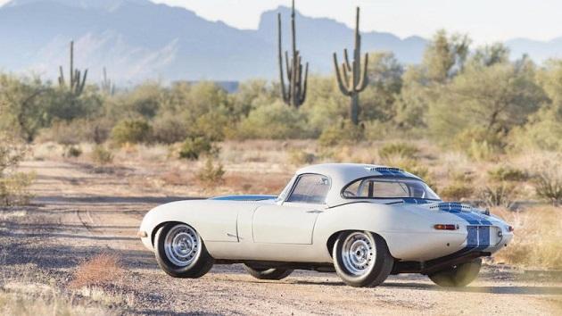 アリゾナ州スコッツデールで開催された名車オークション、今年の最高落札価格を記録したのはジャガー