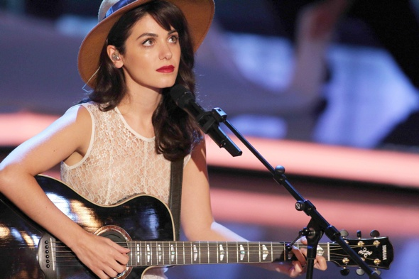 Katie Melua discovers spider living in her ear for a week following flight