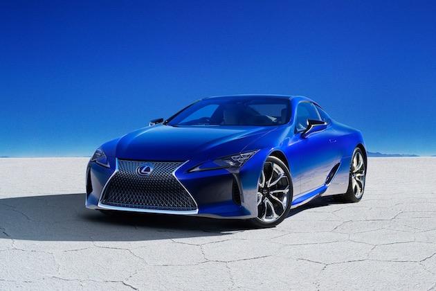 レクサス、モルフォ蝶の羽から着想を得た構造発色性顔料でペイントされた「LC」の特別仕様車を発売