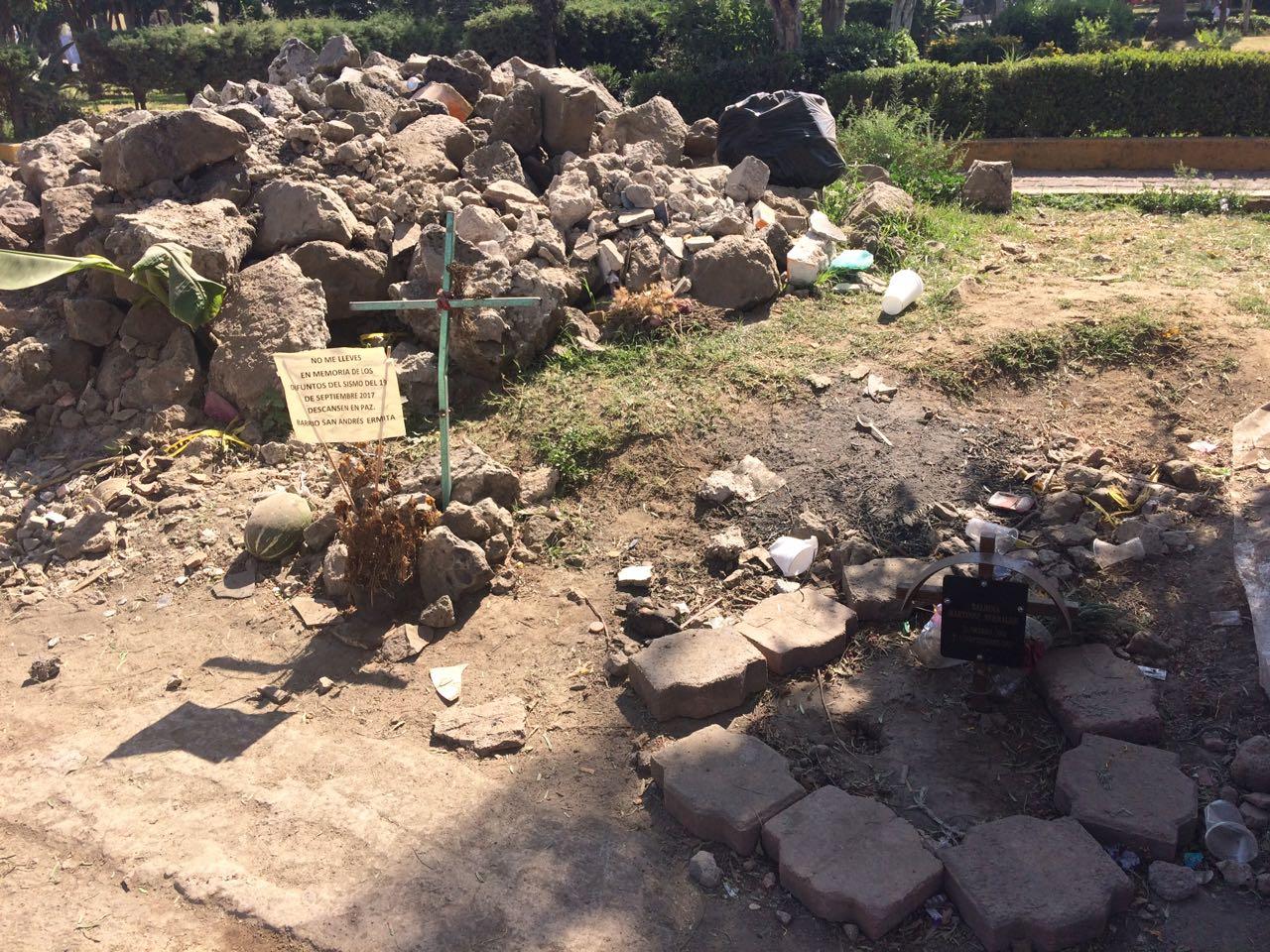 Damnificadas de San Gregorio sobreviven a los escombros gracias a la fabricación de