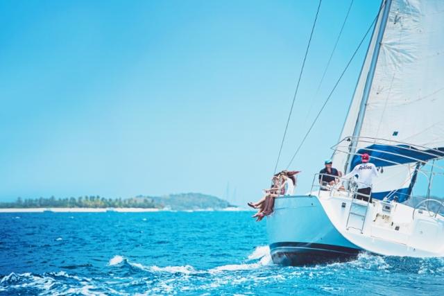 Antlos sailing