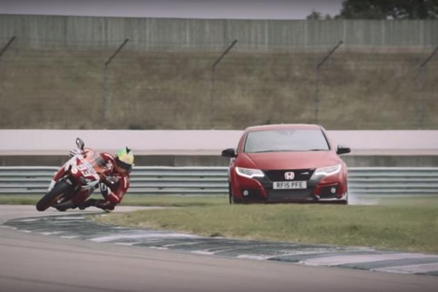 【ビデオ】ホンダの「シビック TYPE R」と「CBR1000RR」が、サーキット1周のレースで対決!
