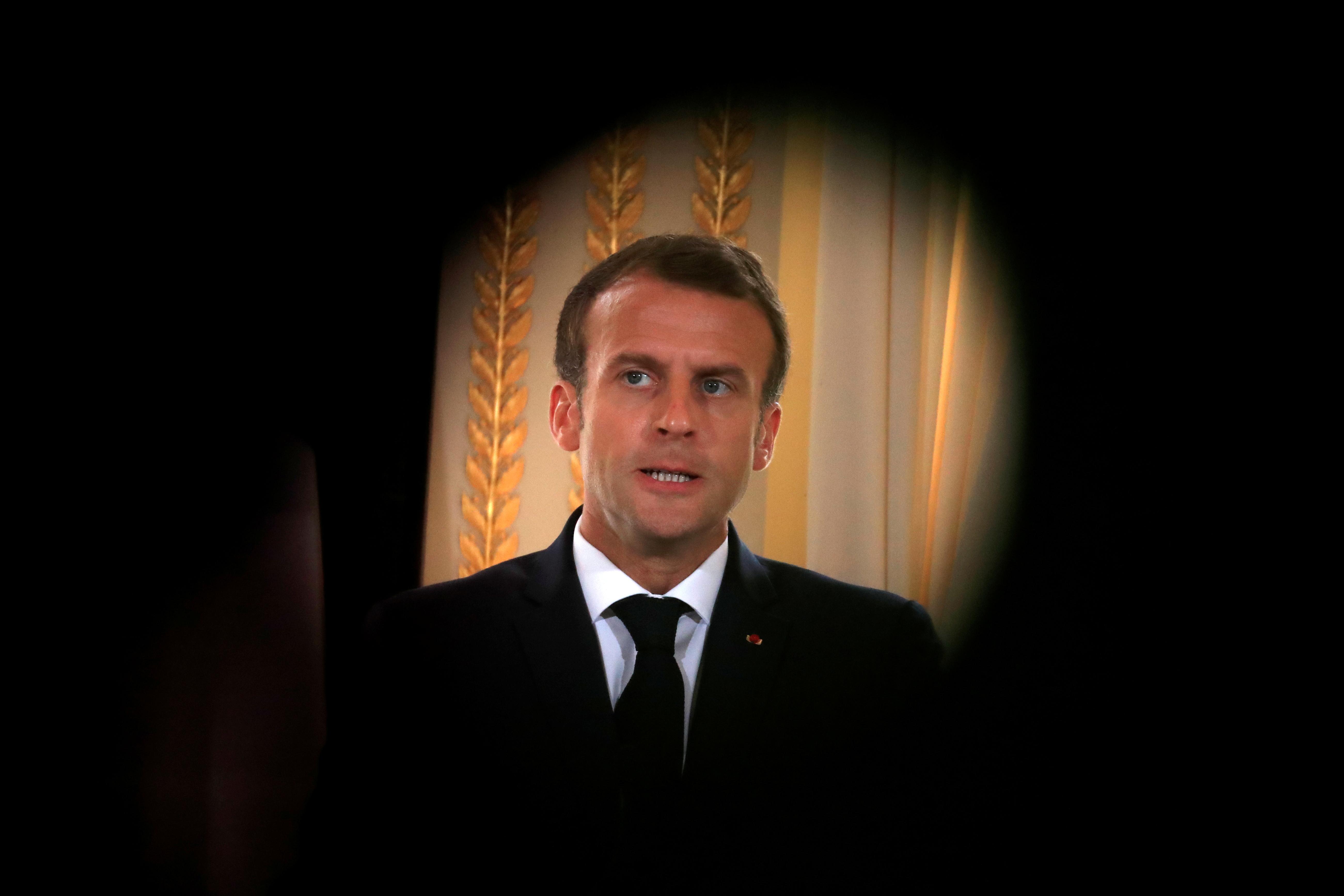 L'Elysée et Macron accusés d'avoir failli à l'article 40 du code de procédure