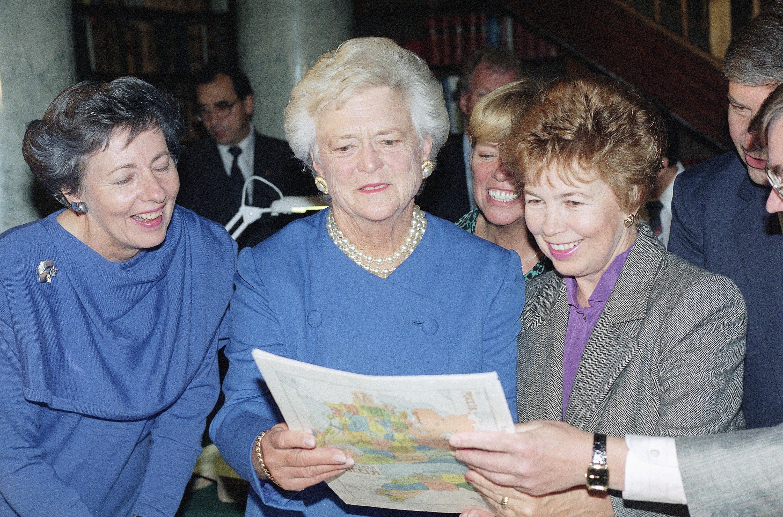 Barbara Bush Finland 1990