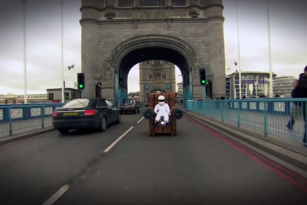 【ビデオ】『トップギア』をパロッて、人気ゲームのリアルマシンがロンドンを激走!