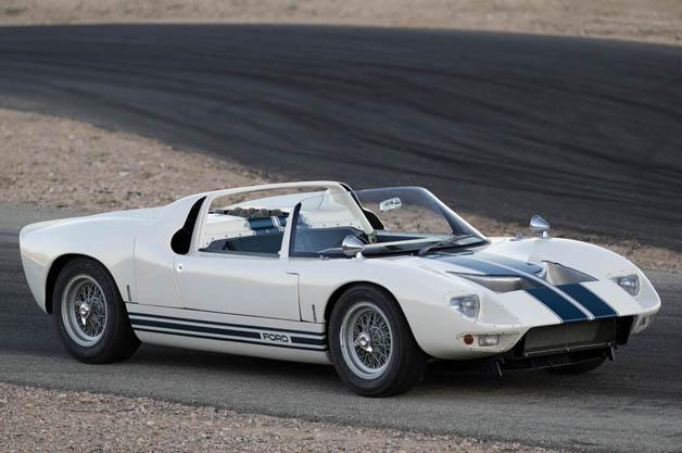 10億超えなるか? 超貴重な65年型フォード「GT40」ロードスターのプロトタイプが競売へ