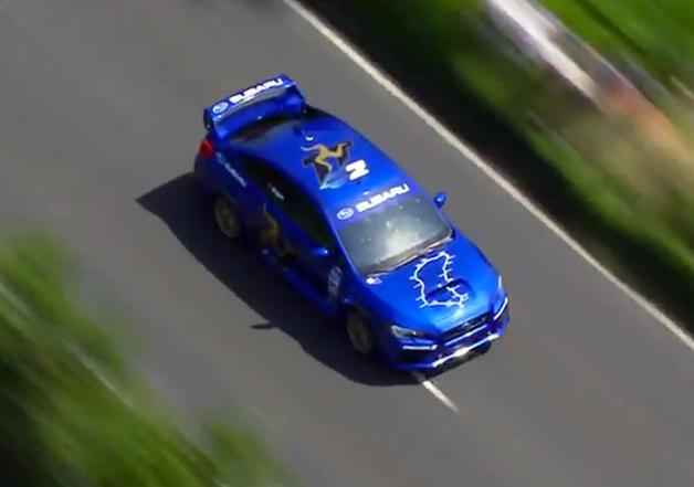 【ビデオ】スバル「WRX STI」がマン島TTの最速ラップを更新した走りを映像で振り返る