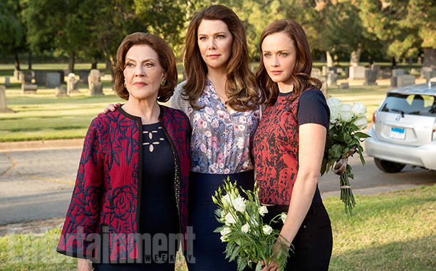 gilmore girls, a year in the life, revival, lorelai, emily, rory
