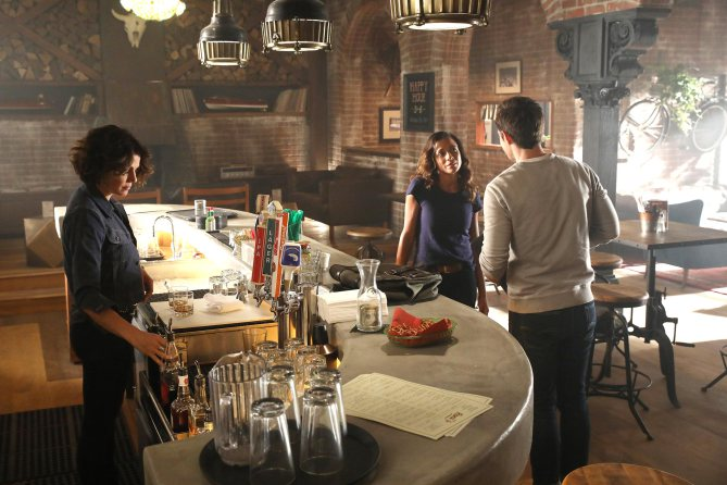 "ONCE UPON A TIME - ""Hyperion Heights"" (ABC/Jack Rowand) LANA PARRILLA, DANIA RAMIREZ, ANDREW J. WEST"