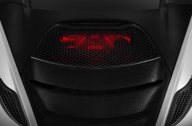 マクラーレン、間もなく発表する新型スーパーカーのパフォーマンスを明らかに