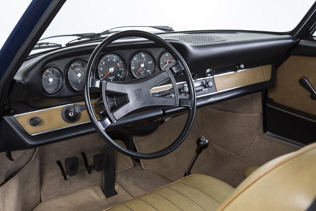 ポルシェ、オリジナルを忠実に再現した「クラシック 911」用ダッシュボードを発売