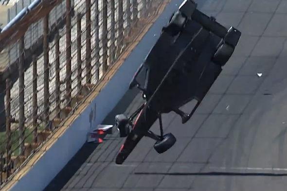 Helio Castroneves IndyCar crash