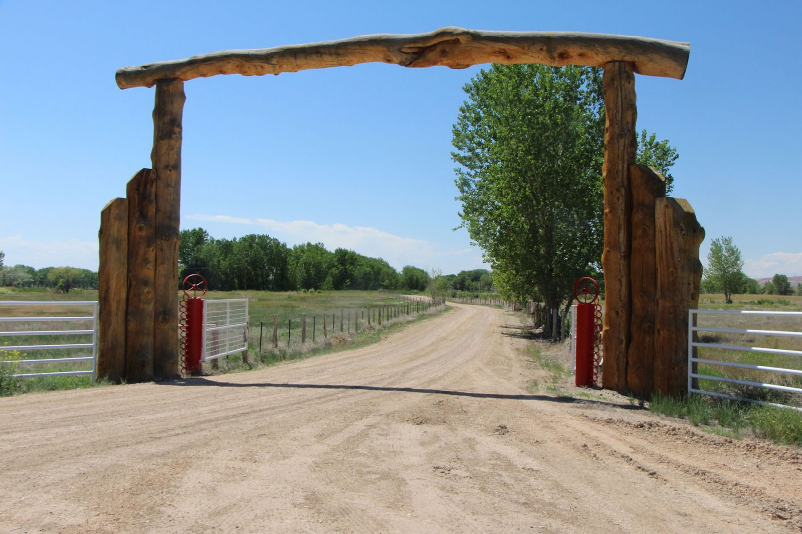 wilford brimley wyoming ranch entrance