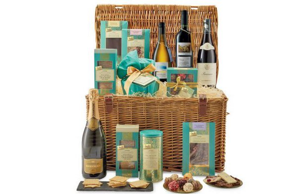 One of Aldi's luxury hampers.