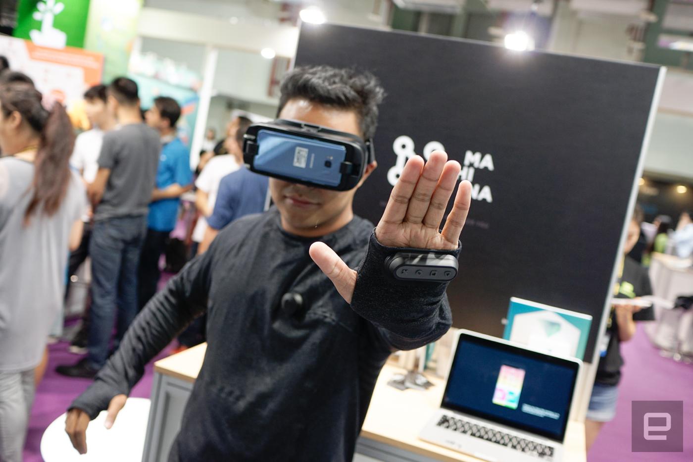 這件 VR 衣不能帶你進 Matrix,但能加強你的虛擬體驗!