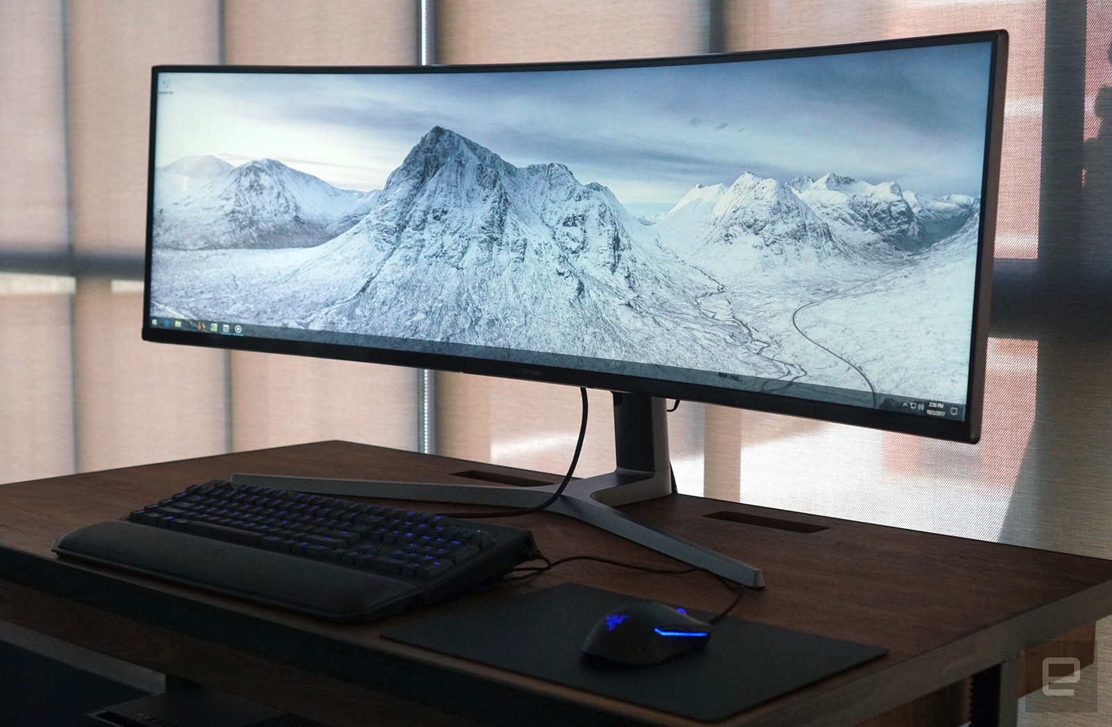 How to buy an hdr monitor engadget - 32 inch wallpaper tv ...