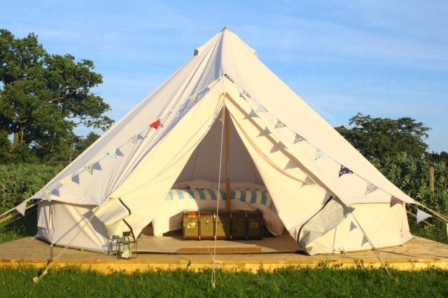 Home Farm Glamping yurt, Elstree
