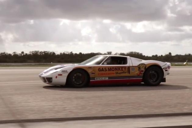 【ビデオ】ブレーキ崩壊寸前! 非公式ながら「フォードGT」がスタンディング・マイルで471km/hを達成!