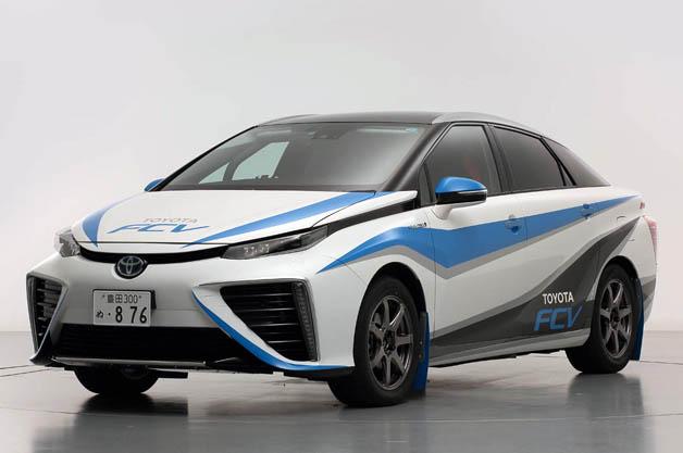 「トヨタFCV」(燃料電池車)のラリー仕様車が日本ラリー選手権でお披露目
