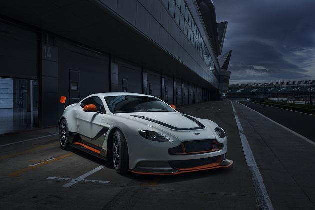 アストンマーティンが「ヴァンテージ GT12」と「ラゴンダ タラフ」をグッドウッドで披露