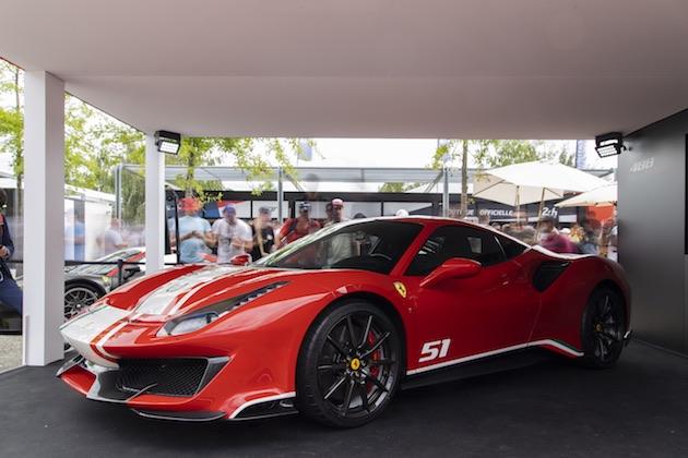 フェラーリ、WECダブル・タイトル獲得を記念して「488 ピスタ」の特別モデル「ピロティ・フェラーリ」をル・マンで発表!
