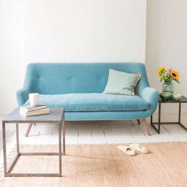 Sofas for small living rooms huffpost uk - Choosing a sofa for a small living room ...
