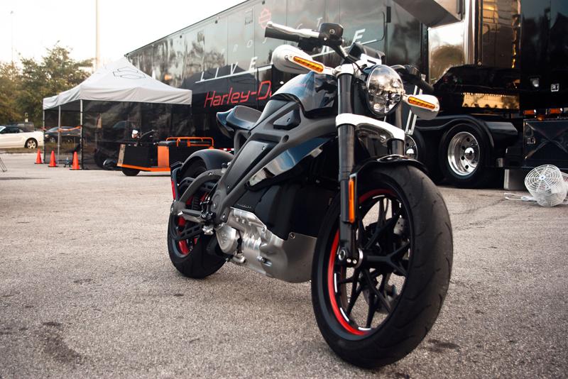 Harley-Davidson Livewire with transporter