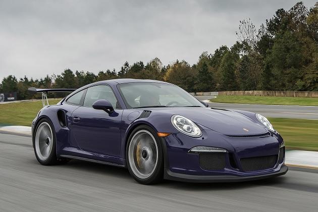 ポルシェ、純粋主義者が待ち望む自然吸気・マニュアルの「911R」を3月に発表