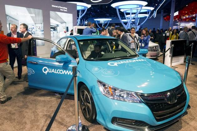 クアルコム、路面から電気自動車にワイヤレス充電するシステムの実験を公開