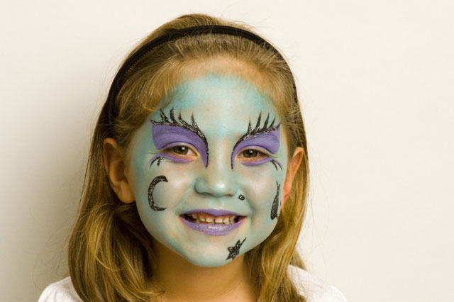 halloween face painting tutorial wicked witch huffpost uk