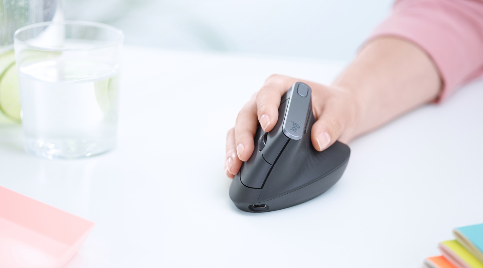 Logitech Unveils MX VERTICAL Mouse Designed to Reduce Forearm Strain