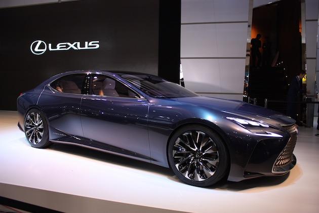 レクサス、旗艦モデル「LS」にプラグイン・ハイブリッド、電気自動車、燃料電池車という3つのバージョンを検討中