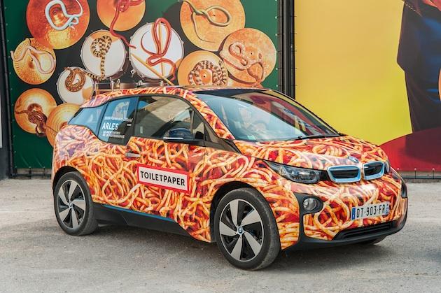 スパゲッティ柄をラッピングした「BMW i3」に、「これはアート・カーではありません」とBMW