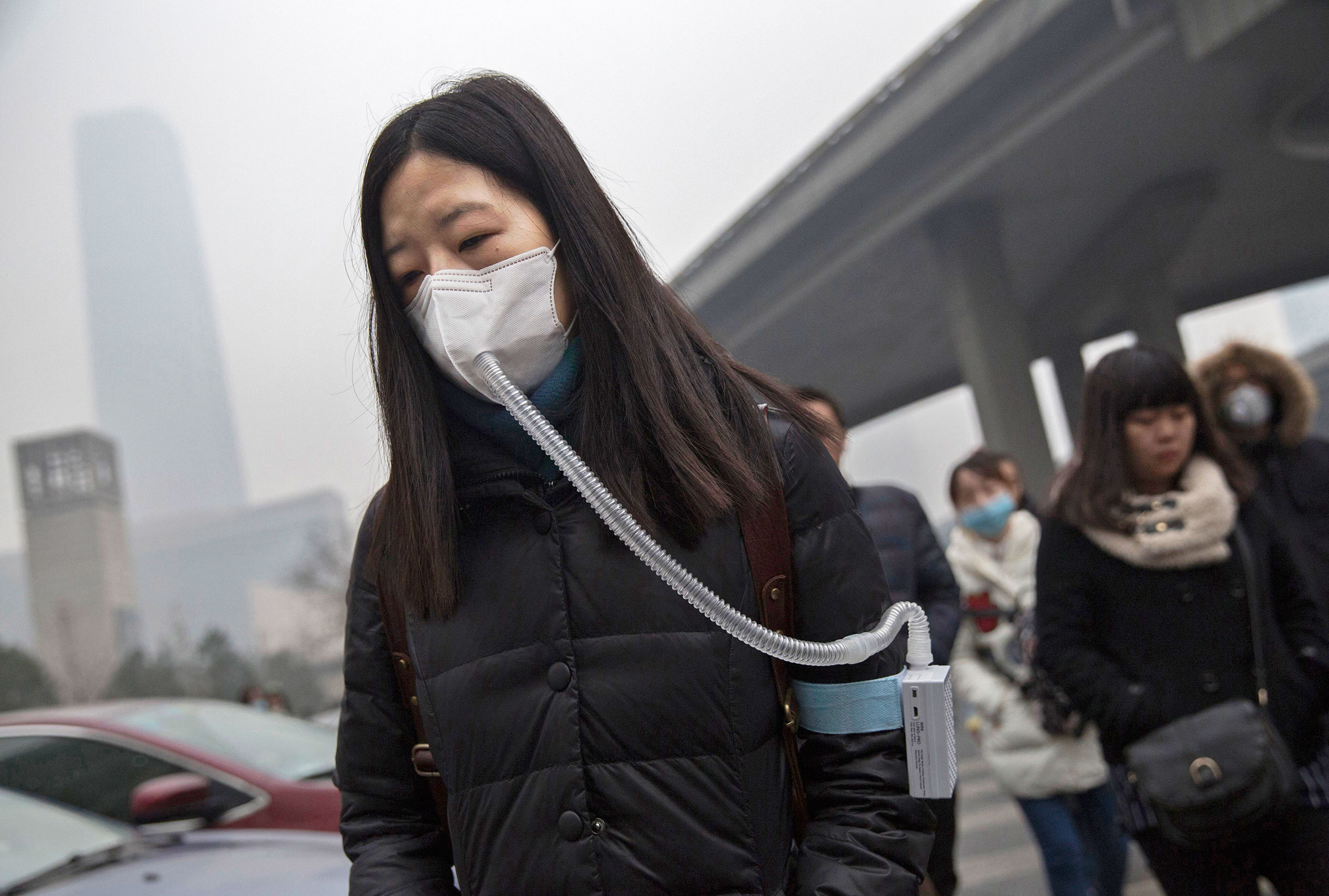 the problem with pollution in china About three-quarters (76%) of people in china say air pollution is a big problem, including 35% who regard it as a very big problem, according to our spring 2015 global survey about the same number of chinese (75%) say water pollution is a very or moderately big problem, and of 15 issues tested, both rank among the public's top concerns.